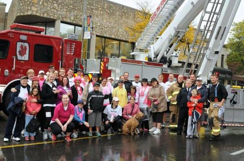 RUN FOR CURE Team photo with Fire team